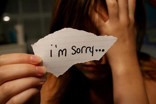 9 قانون طلایی برای عذرخواهی از همسرمان