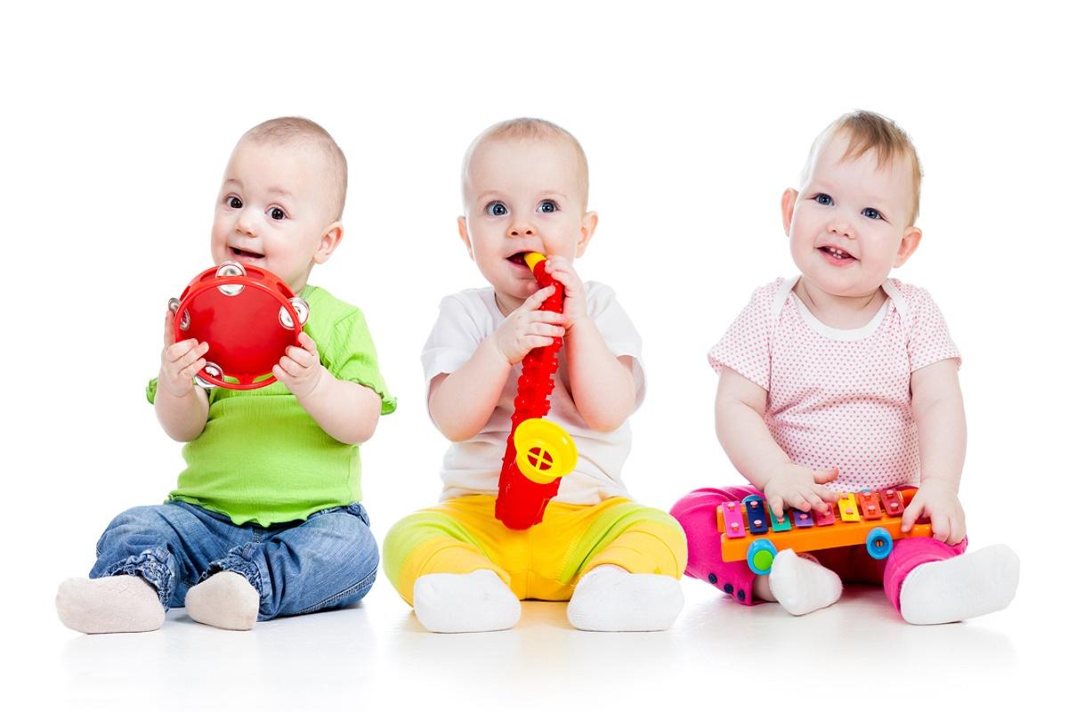 نقش بازی در رشد کودکان ، خلاقیت در فرایند رشد و یادگیری کودکان، نقش مهمی را ایفا می کند. فروید معتقد است که خیلی از کودکان در جریان
